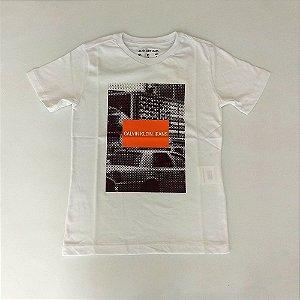 49495ba07c02c Camisa Infantil Masculina - Calvin Klein - Manga Curta Carro