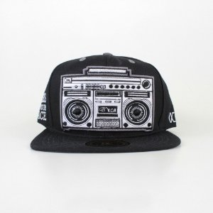 Boné Other Culture Boom Box
