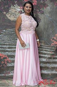 Vestido longo rosa bebe busto renda bordada  com transparência , saia cetim .