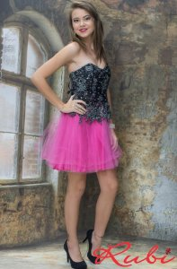 Vestido curto saia de tule pink , corpete preto com bordado na renda