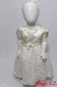 Vestido infantil off white , cinto com perola e flor saia na renda busto cetim tam:2