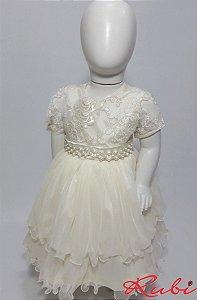 Vestido infantil off white , renda no busti com det de rosa , cinto bordado em perola e saia de tule com babado tam :01