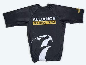 RASH GUARD ALLIANCE PRETA MANGA CURTA