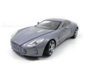 Aston Martin One 77 1/18 Mondo Motors com defeito