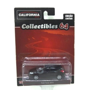 Ford Focus 2013 1/64 Greenlight California Collectibles 64