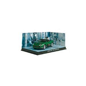 Jaguar XKR 1/43 IXO – 007 Um novo dia para morrer