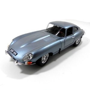 Jaguar E-Type Coupe 1/18 Bburago