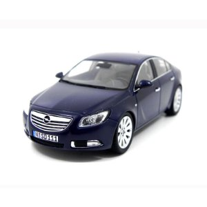 Opel Insignia 1/43 Schuco
