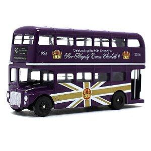 Ônibus Routemaster 90 anos Rainha Elizabeth II 1/87 Corgi