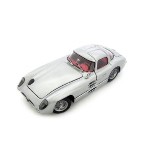 Mercedes-Benz 300 Slr 1955 Coupe 1/24 Pauls Model Art Minichamps