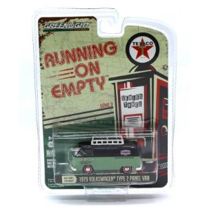 Volkswagen Kombi Type 2 1979 Running on Empty 1/64 Greenlight