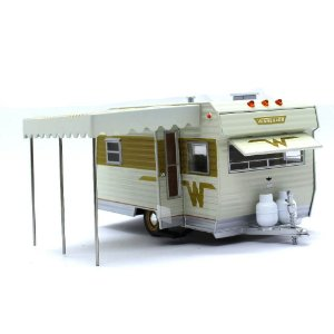 Trailer Winnebago 216 1964 Hitch & Tow 1/24 Greenlight