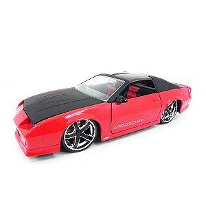 Chevrolet Camaro 1985 Vermelho 1/24 Jada Toys