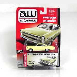 Mercury Comet Caliente 1966 1/64 Auto World Bege