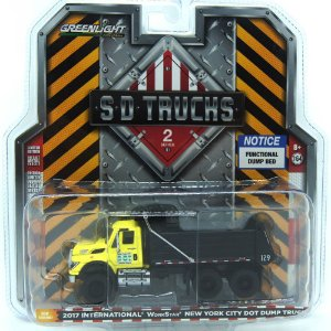 Caminhão International WorkStar New York City Dot Dump 2017 SD Trucks 1/64 Greenlight