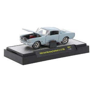 Ford Mustang Fastback 2+2 200 Detroit-Muscle R37 1/64 M2 Machines