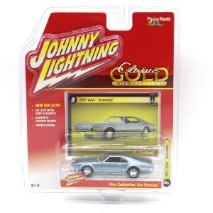 Olds Tornado 1967 Classic Gold Collection A 1/64 Johnny Lightning