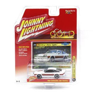 Chevy Monza Spyder Classsic Gold Collection A 1/64 Johnny Lightning