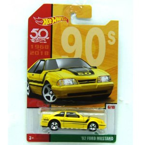 Ford Mustang 1992 1/64 Hot Wheels 50 Anos