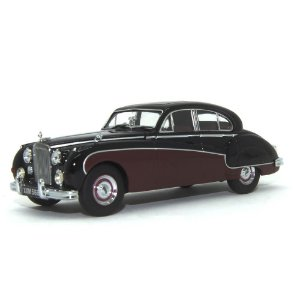 Jaguar MKIX Black/Imperial Maroon 1/43 Oxford
