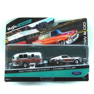 Ford Mustang GT 1967 Camper Trailer 1/64 Maisto Design Tow & Go
