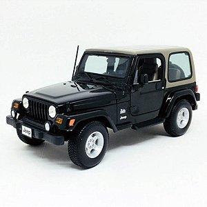 Jeep Wrangler Sahara Hard Top 2012 Preto 1/18 Maisto
