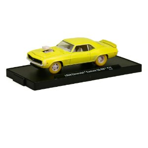Chevrolet Camaro SS/RS 1969 1/64 M2 Machines Auto Drivers Chase 11228 Release 30