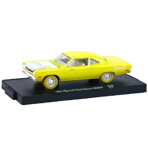 Plymouth Road Runner HEMI 1969 1/64 M2 Machines Auto Drivers Chase 11228 Release 36