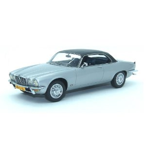 Jaguar XJ-C 4.2 1974 1/18 Neo Scale Models Com Defeito
