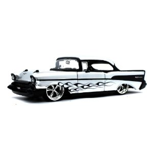 Chevrolet Bel Air Hard Top Closed Custom 1957 Prata 1/24 Jada Toys Big Time Kustoms