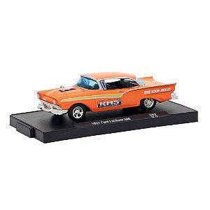 Ford Fairlane 500 1957 1/64 M2 Machines Auto Drivers 11228 Release 52