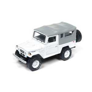 Bandeirante Toyota Land Cruiser 1980 1/64 Johnny Lightning Classic Gold Collection 2017 Release 1 Versão B