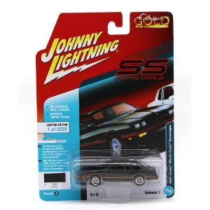 Chevrolet Monte Carlo Aerocoupe 1987 1/64 Johnny Lightning Classic Gold Collection 2018 Release 1 Versão A