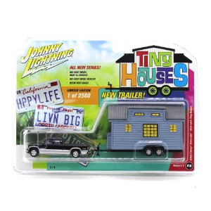 Chevrolet Silverado 1500 2002 1/64 Johnny Lightning Tiny Houses Release 2