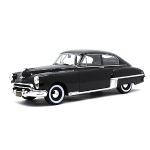 Oldsmobile Rocket 88 Club Sedan 1949 1/18 Bos Best of Show