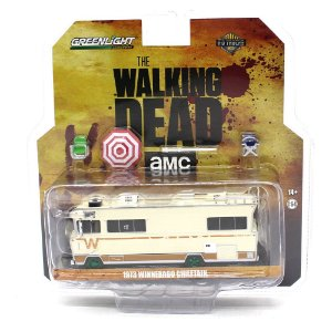 GREEN MACHINE Whinnebago Chieftain 1973 AMC the Walking Dead 1/64 Greenlight