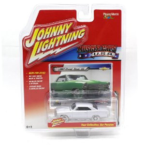 WHITE LIGHTNING Chevrolet Nova SS 1967 Muscle Cars USA A 1/64 Johnny Lightning