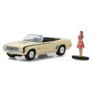 Chevrolet Camaro SS Conversível 1969 e Garota The Hobby Shop Series 4 1/64 Greenlight