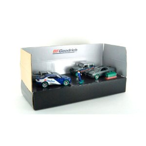 Greenmachine Diorama BFGoodrich Performance Tire Shop 1/64 Greenlight