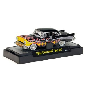 Chevrolet Bel Air 1957 MOONEYES 1/64 M2 Machines