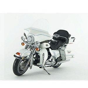 Harley Davidson: FLHTCU Ultra Classic (2012) - 1/12 Highway61