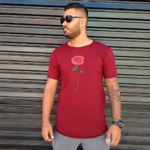 Camiseta Longline Vermelha com Flor Rosa Bordada Swag