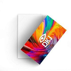 Cartão de visita 4x0 cores em papel cartão 300 g/m² com verniz UV total corte reto