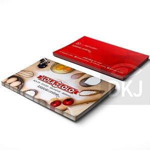 Cartão de visita 4x4 cores em papel cartão 300 g/m² com verniz UV total frente e verso corte reto
