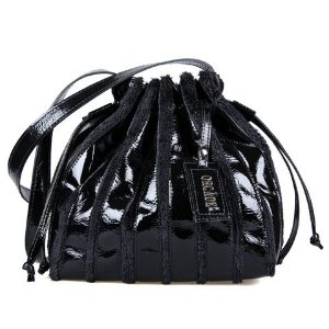 38e8630a0 Bolsa Saco de Couro Preta Verniz - Orcade