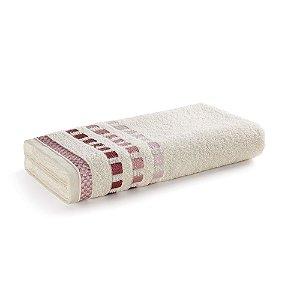 Toalha de Banho Karsten Calera Ivory e Rosa Tutu 67x135cm Algodão