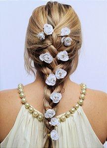 Grampo de Flores Creme e Branco