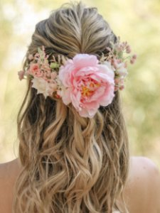 Arranjo de Cabelo Flores Amélia Rosa