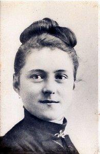 Santa Teresinha aos 15 Anos de Idade