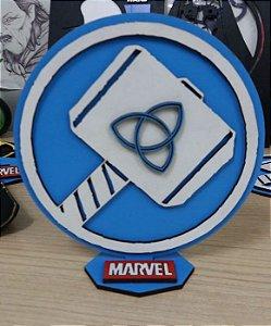 Brasão em MDF Marvel Thor - Mjolnir 14,5 x 15,0 cm
